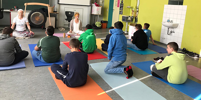 Yoga in der Klasse H6